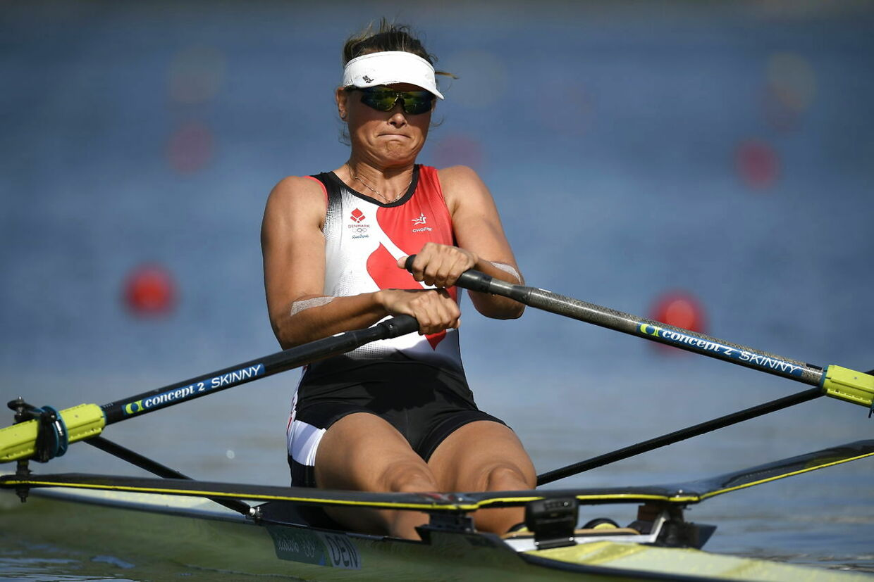 epa05458417 Fie Udby Erichsen of Denmark in action during the women's Single Sculls heats of the Rio 2016 Olympic Games Rowing events at the Lagoa Rodrigo de Freitas in Rio de Janeiro, Brazil, 06 August 2016. EPA/FRANCK ROBICHON