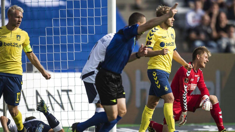 Brøndby (gule trøjer) vandt 7-0 over AGF.