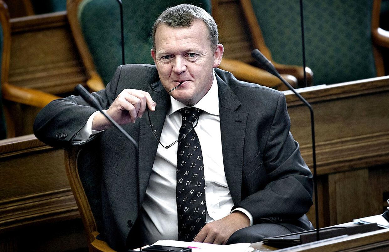 ARKIVFOTO 2012 af Venstres formand Lars Løkke Rasmussen i Folketingssalen- - Se RB 29/8 2016 10.50. Statsministeren sætter journalisterne ud af spil, når han live på Facebook præsenterer en del af 2025-planen. (Foto: Keld Navntoft/Scanpix 2015)