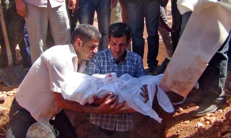 Efter drukneulykken rejste Aylan Kurdis far tilbage til Kobane i Syrien, hvor han begravede sine to sønner og hustruen.
