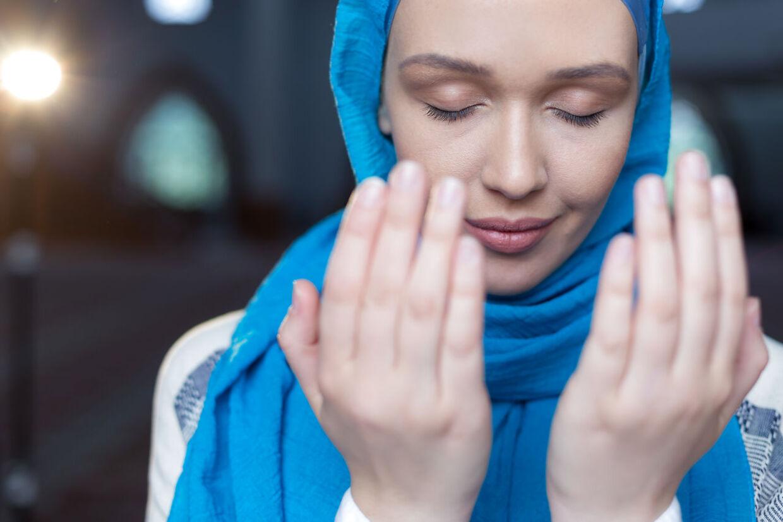 ARKIVFOTO. Den første sag af sin art var torsdag for retten i Norge, efter at en frisør nægtede en hijab-klædt kvinde adgang til sin frisørsalon. Merete Hodne nægtede sig skyldig og har tænkt sig at anke sagen hele vejen op igennem systemet, hvis det bliver aktuelt. OBS. Kvinden på fotoet har ingen direkte tilknytning til sagen.