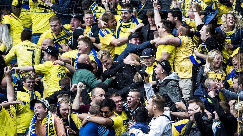 Brøndby-fans kan juble over, at deres elskede klub er mere populær blandt danskerne end ærkerivalerne FC København.