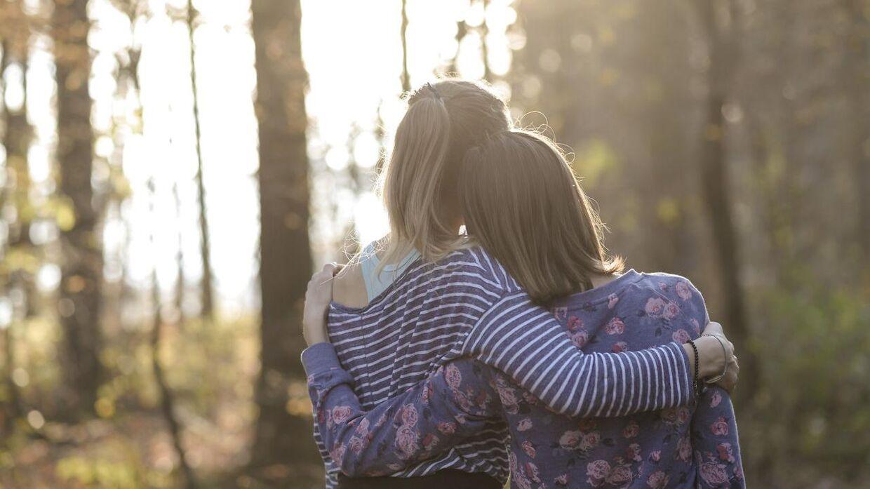 Journalisten Tess Stimson fortæller, hvorfor hun satsede alt til fordel for sin veninde.