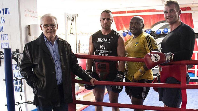 Promotor Mogens Palle og to af hans nye boksebamser, som han i samarbejde med Brian Nielsen, vil gøre til 'den nye Brian Nielsen'.