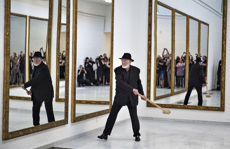 Se billederne kunstner gik amok p nordjysk museum - Pistoletto specchio quotazioni ...