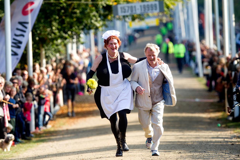 Peter Schnohr har i sagens natur aldrig selv deltaget i E-løbet, men her er han i kapløb på opløbsstrækningen med skuespilleren Peter Larsen, som er E-løbets trofaste gæst.
