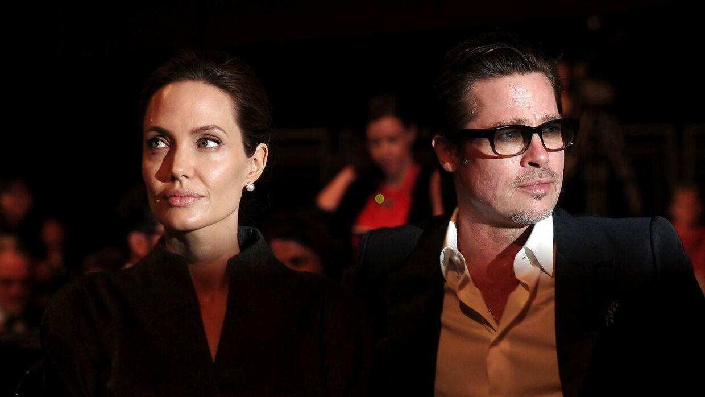 Angelina Jolie og Brad Pitt skal skilles.