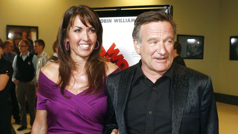 Her ses Robin Williams med sin kone Susan Schneider Williams til premiere på filmen 'World's Greatest Dad' i 2009. Han begik selvmord i august 2014.
