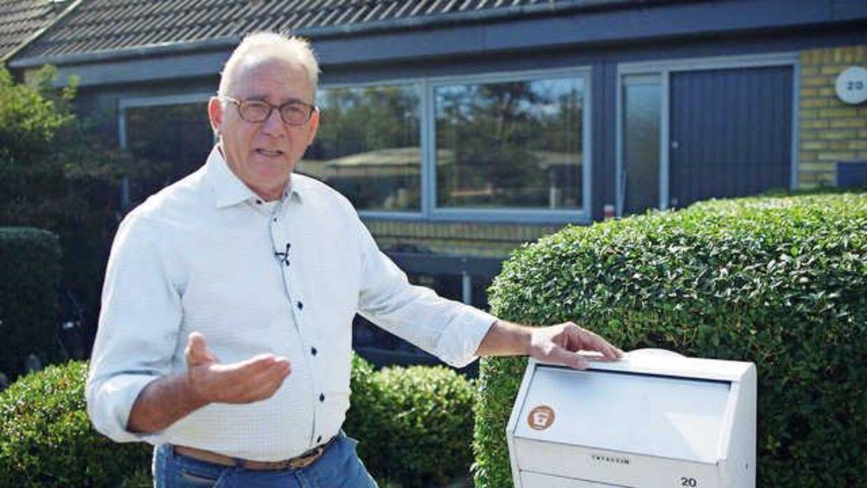 Finn Steno Thygesen er træt af PostNord. Han har gentagne gange oplevet, at postbudet kommer forbi og bare smider en seddel i postkassen i stedet for at aflevere den pakke, han sidder og venter på.