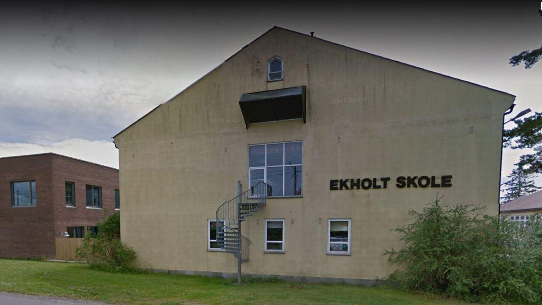 Det er på Ekholt Skole i Norge, at en gruppe forældre er godt gale på skolens rektor. Hun har nemlig opfordret forældrene til at droppe ordet 'julefrokost'