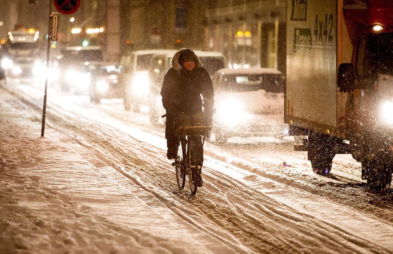 Store dele af Danmark vågnede torsdag d. 14. januar op til et snedækket landskab, hvilket gav store forsinkelser i trafikken. (Foto: Bax Lindhardt/Scanpix 2016)