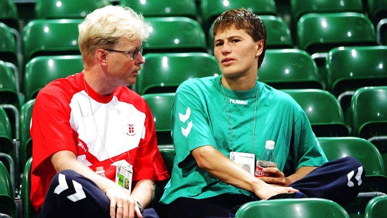 Anja Andersen gjorde oprør mod Ulrik Wilbek. Det fortæller den tidligere håndboldstjerne i sin nye bog 'Det er aldrig for sent at blive den man er'.