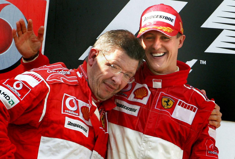 Ross Bran og MIchael Schumacher fejrer endnu en sejr hos Ferrari i 2006. Det år blev tyskeren dog kun nummer to i kampen om VM-titlen.