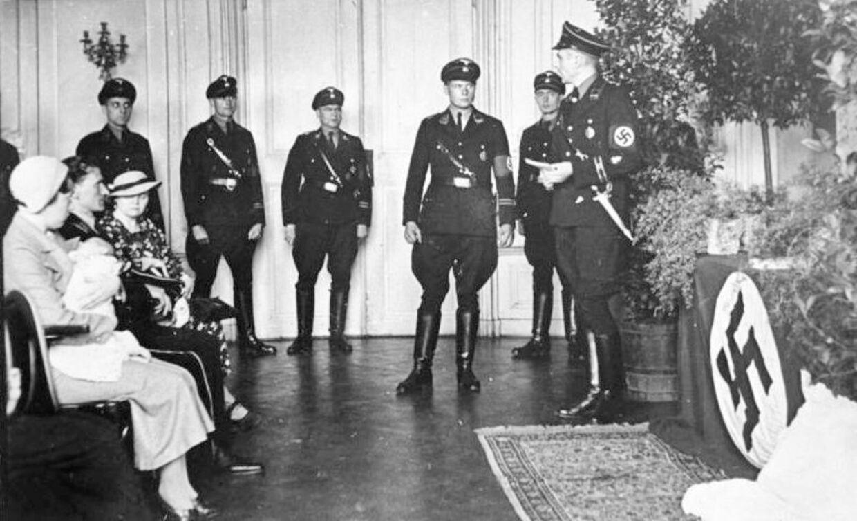'Lebensborn'-programmet var nazisternes forsøg på at fremme et racerent herrefolk. Et program, som den danske læge Hans J. Bissing menes at have om ikke taget del i så i hvert fald haft omfattende kendskab til. Foto: Bundesarchiv