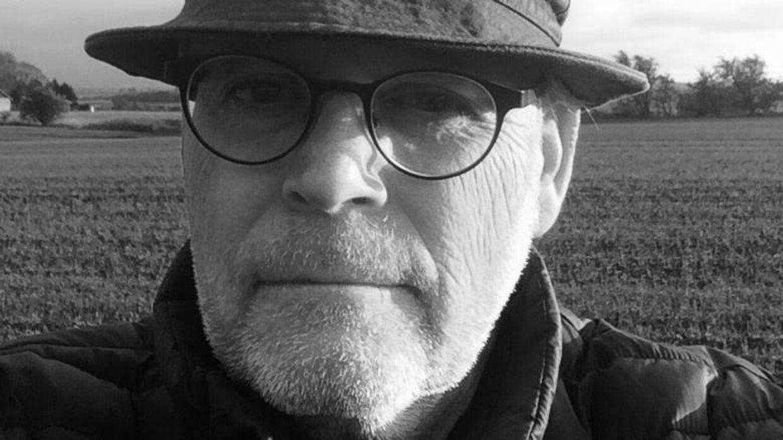 54-årige Bent Wedels ironiske læserbrev i Horsens Folkeblad om sprogbrugen i Danish Music Awards bliver flittigt delt på Facebook.