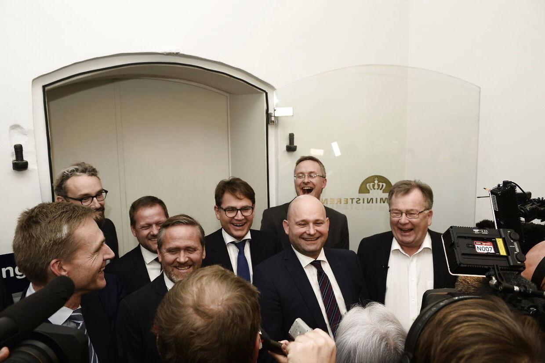 Finansminister Claus Hjort Frederiksen og forhandlere fra Dansk Folkeparti, Liberal Alliance og De Konservative præsentrer den nye finanslov fredag d. 18 november 2016 i Finansministeriet.