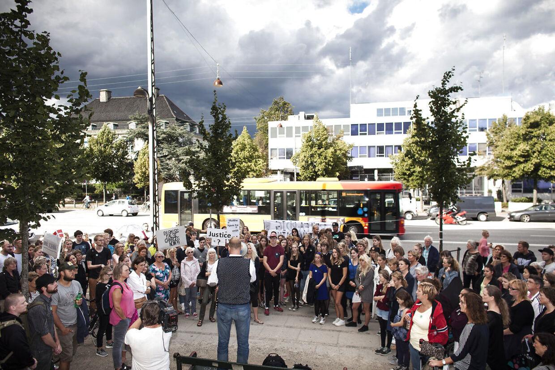 Der blev i 2014 holdt demonstrationer mod Malthe Thomsens fængsling i Danmark. Her foran den amerikanske ambassade på Østerbro i København.