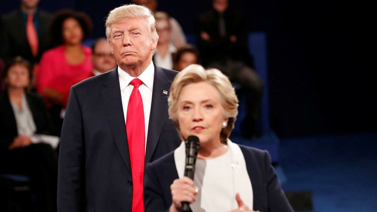 Donald Trump og Hillary Clinton i debate.