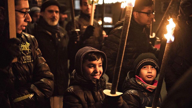 Muslimer gik søndag den 4. december 2016 juleoptog fra Sønderarken gennem Vesterbro til Rådhuspladsen og donerer til julehjælpen.. (Foto: Ida Guldbæk Arentsen/Scanpix 2016)