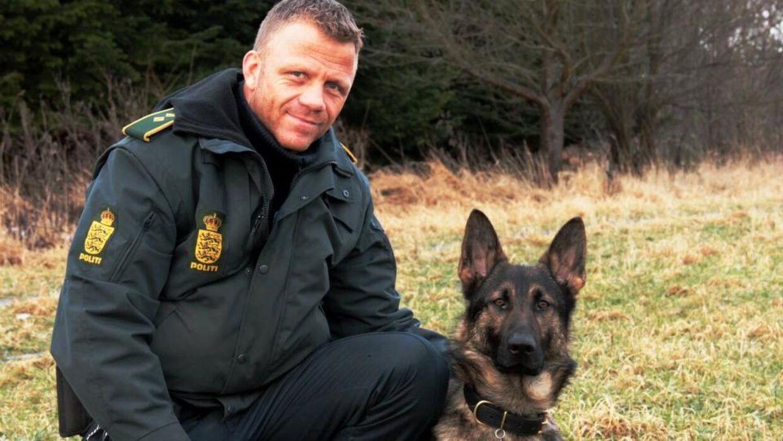 Jesper Jul med en af sine politihunde.