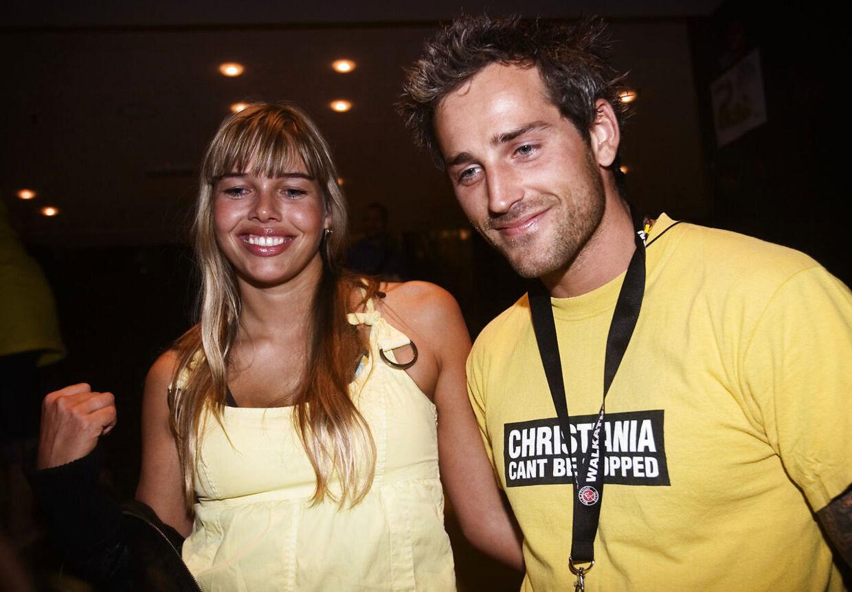 Oliver Bjerrehuus med kæresten Gunnvør Dalsgaard til Simpsons premiere i 2007.