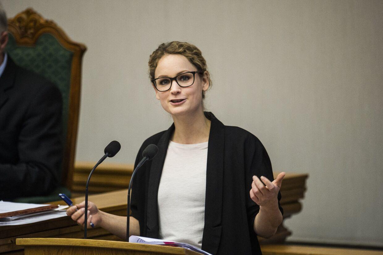 - Vi vil gerne diskutere, hvordan vi investerer i andre værdier end ensporet økonomisk vækst, siger Pernille Skipper (EL) til Information om Enhedslistens nye model for en 30 timers arbejdsuge. Scanpix/Ólafur Steinar Gestsson