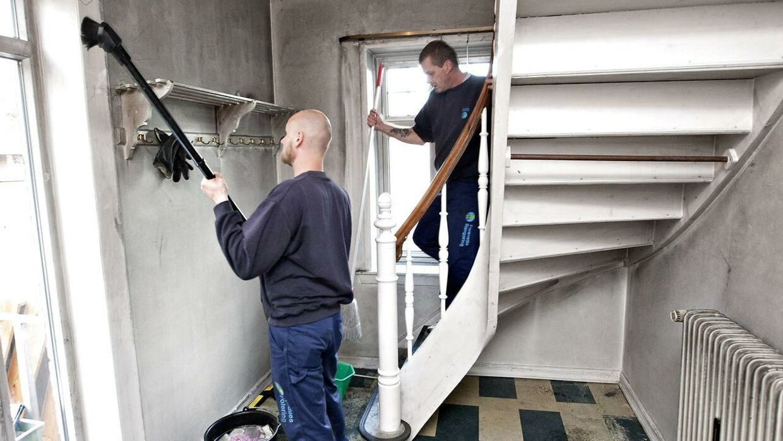 ARKIVFOTO. Rengøringsfirmaet Forenede Service er ved at gøre klar efter en brand her. I flere år har de brugt illegal arbejdskraft Foto: Jørn Deleuran