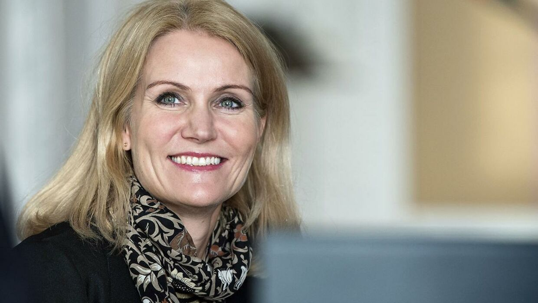 Helle Thorning-Schmidt og flere andre prominente navne vil fremme kvindefodbold.