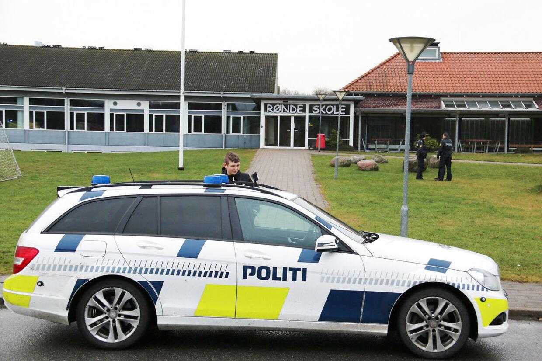 Rønde Skole på det sydlige Djursland har mandag eftermiddag modtaget en bombetrussel. Det oplyser henholdsvis Østjyllands Politi og Midt- og Vestjyllands Politi via Twitter.