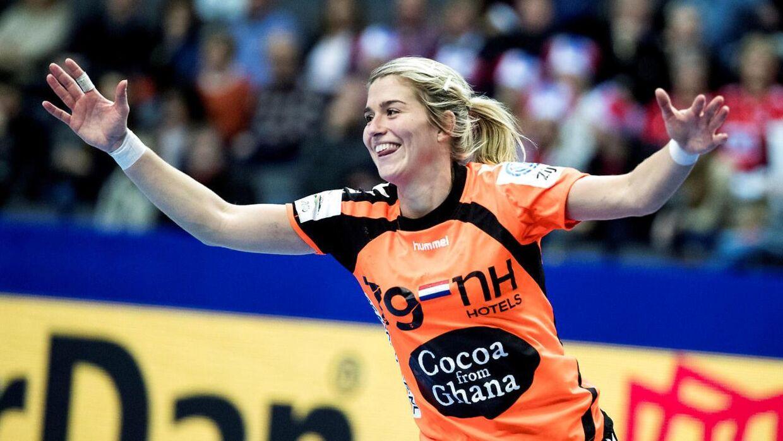 Estavana Polman fra Team Esbjeg fortæller, at hendes kæreste, Rafael van der Vaart, ikke ville have, hun spillede EM i december, fordi hun er gravid.