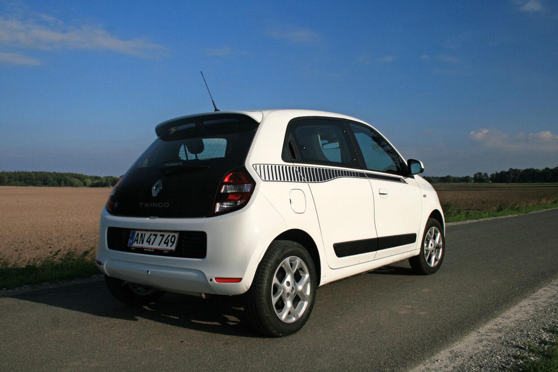 1) Selv om Renault Twingo og Smart ForFour har mest plads mellem hjulene i sammenligning med andre mikrobiler, sluges pladsen af hækmotorkonceptet. Alle undtagen Fiat 500 har mere bagageplads. 2) Koreanerne stormer frem, også i miniklassen. Hyundai i20 byder på mest plads mellem de fire hjul. 3) Mitsubishi kalder sin Space Star for en minibil. Men på alle afgørende mål er den mindre end de største mikrobiler. Foto: Henrik Dreboldt
