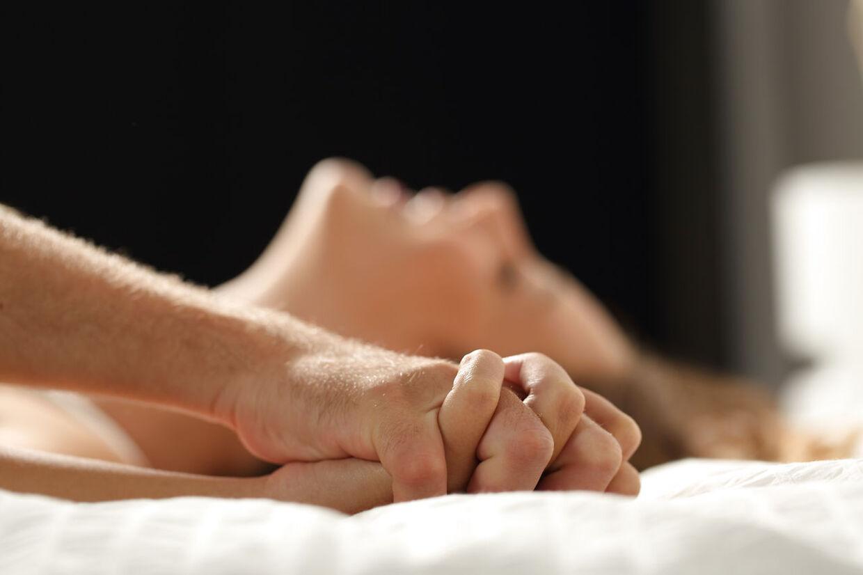lez sex massage