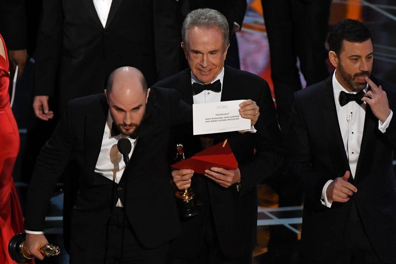 Noget gik helt galt, da Warren Beatty læste vinderen af bedste film op ved årets Oscar-prisuddeling.