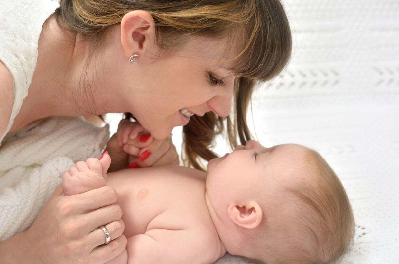 Hvis du har født, bærer du højst sandsynligt beskyttende celler fra fosteret i kroppen, som minimerer risikoen for brystkræft.