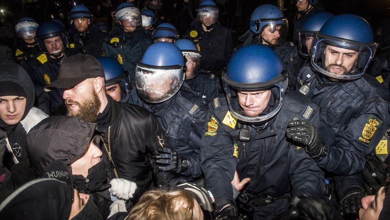 Politi og demonstranter i sammenstød onsdag aften på Nørrebro.
