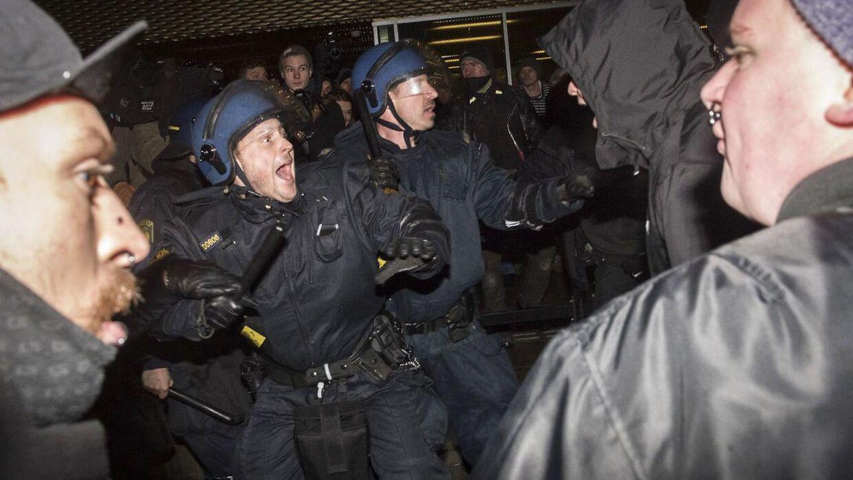 Voldsomme sammenstød mellem politi og demonstranter på Nørrebro onsdag aften.