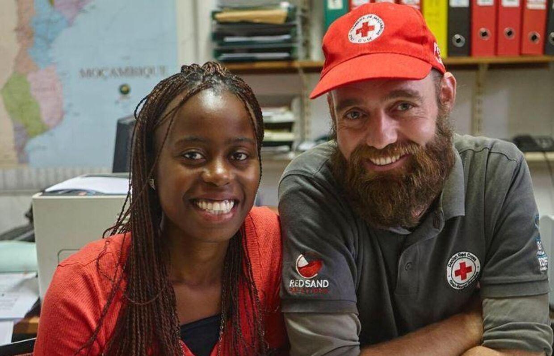 Land nr. 108 Som goodwill-ambassadør besøger han altid Røde Kors' lokalkontorer. Her i Mozambique.