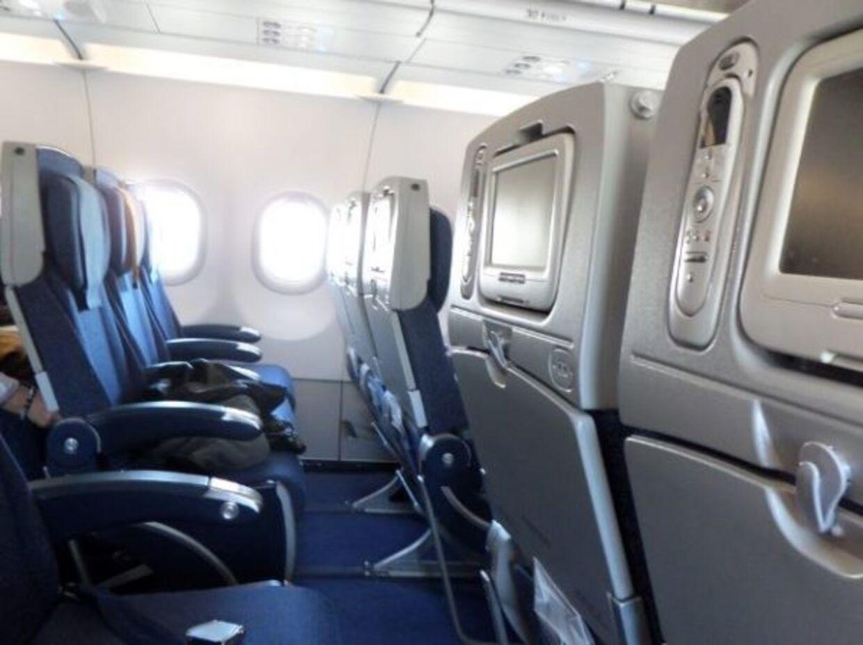 4. Fly er ikke helt så klamme som du tror...og når du har rørt ved diverse skærme og klapborde ved dit sæde.