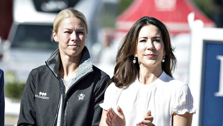 Agnete Kirk Thinggaard, der her ses ved siden af kronprinsesse Mary, har netop købt en ny tophest.