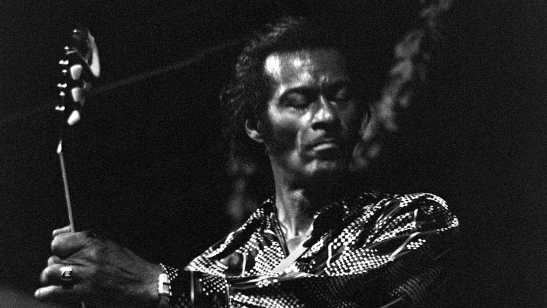 Chuck Berry er død. Han blev 90 år. Her på billedet ses han i Nice i Frankrig. Billedet er fra den 10. juli 1981.