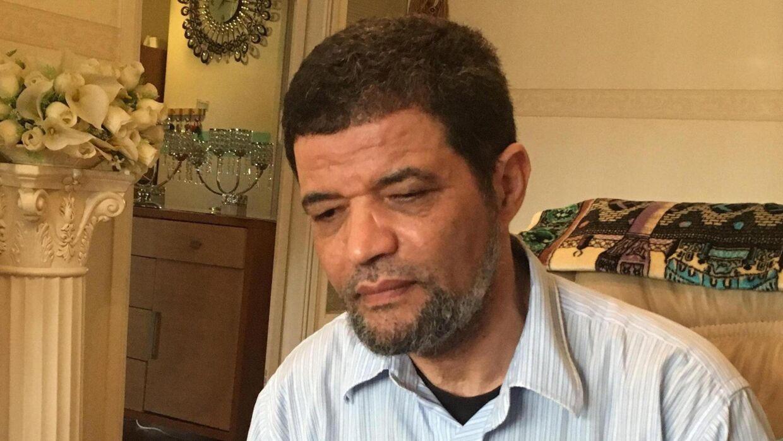 Fængselsimamen Ayoub Chibli giver et interessant og uhyggeligt indblik i, hvor faretruende let det er for unge kriminelle at få fingre i et dødbringende våben.