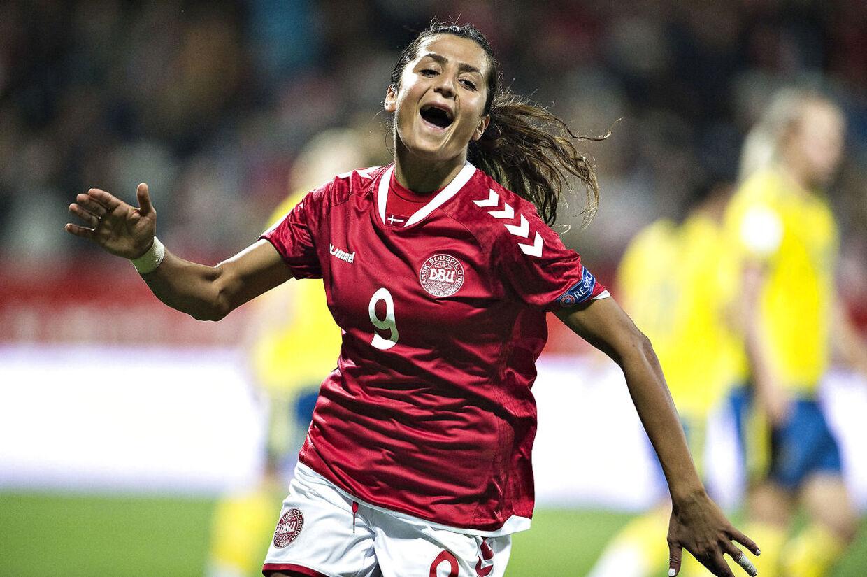 - -Årets billeder 2016- - Danmark - Sverige , EM kvalifikation, kvindelandsholdet, Viborg Stadion , 20.september: Danmarks Nadia Nadim har scoret til 2-0 (foto: Henning Bagger / Scanpix 2016)