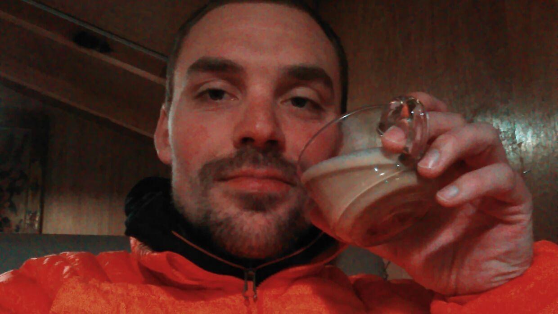 En fødselsdags-cappuccino for at være lidt sød ved mig selv efter en lang vandredag fra Lukla-Namche B.