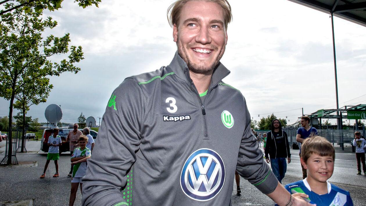 Nicklas Bendtner er skiftet fra Arsenal til VfL Wolfsburg