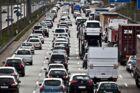 Der er tirsdag morgen massiv kø, efter en lastbil er væltet ved Herningmotorvejen. Arkivfoto.