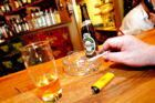 Værtshus i København har besluttet at droppe rygestartskurser og gratis cigaretter efter kritik.