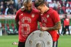 Arturo Vidal var ved at komme sig over en skade, da Bayern München sikrede mesterskabet 7. april. Nu står det klart, at chilenerens sæson er forbi. Scanpix/Christof Stache