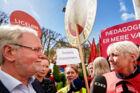 Dennis Kristensen i skænderi med Anni Pilgaard, første næstformand i Dansk Sygeplejeråd, foran Forligsinstitutionen om hvorvidt han har brudt musketeraftalen. Overenskomsforhandlinger i Forligsinstitutionen. Onsdag den 25. april 2018. (Foto: Jens Astrup/Ritzau Scanpix)