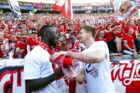 epa06730923 Leipzig players Naby Keita (L) and Dominik Kaiser (R) celebrate with fans after the German Bundesliga soccer match between Hertha BSC and RB Leipzig in Berlin, Germany, 12 May 2018. Leipzig won 6-2. EPA/FELIPE TRUEBA (EMBARGO CONDITIONS - ATTENTION: Due to the accreditation guidelines, the DFL only permits the publication and utilisation of up to 15 pictures per match on the internet and in online media during the match.)