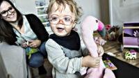 Nalina er det eneste barn i Danmark med denne deformerende sygdom: 'Uvisheden er det værste'